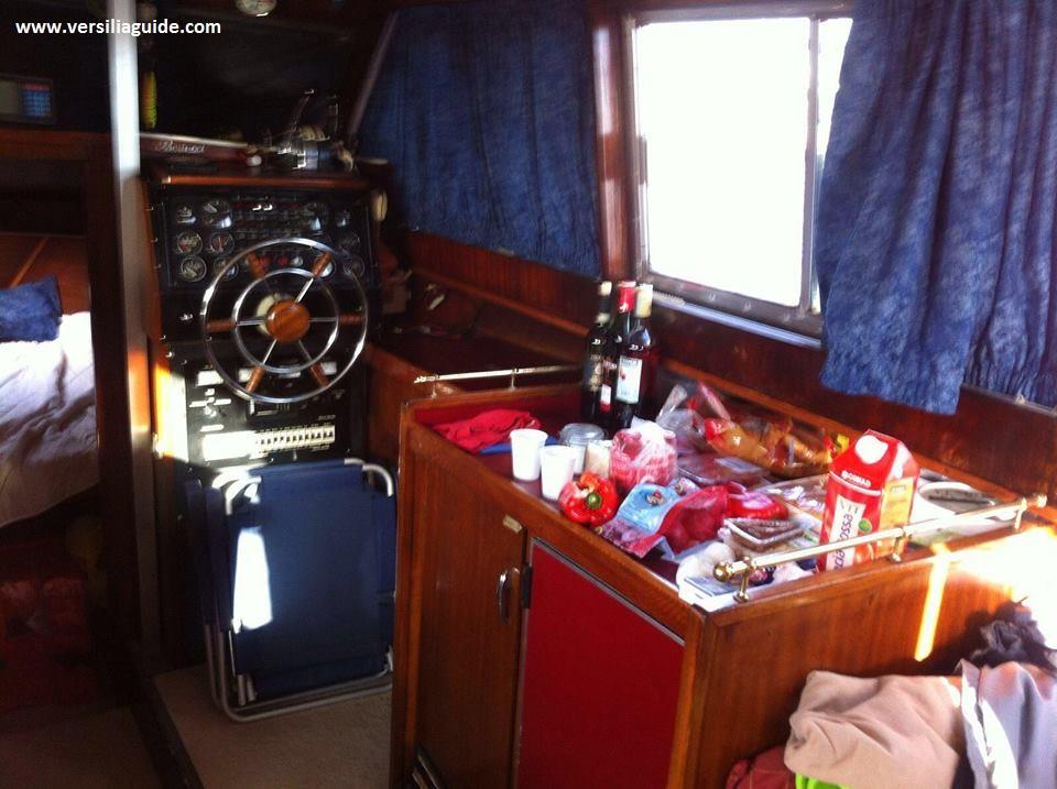 Interno barca 1